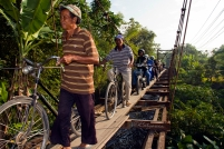 Many people use this irrigation channel to cross the neighbouring village.
